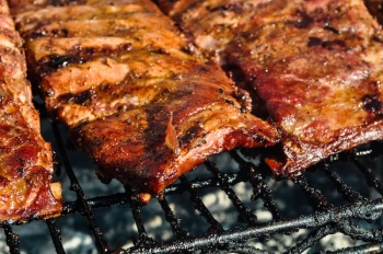 Latest News: Canada's Largest Ribfest- Dig into mouth-watering BBQ all weekend