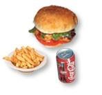 7. Burger au poulet + frites + liqueur