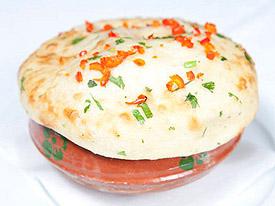 Delhi bistro 2214 queen st e toronto delhi for Aroma indian cuisine toronto